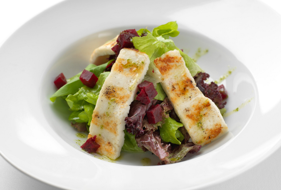 Svježe salate pripremljene od najkvalitetnijeg domaćeg povrća
